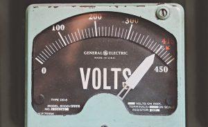 投稿画像 キャンプ向けのポータブル電源 大きさ・重さ 300x184 - キャンプ向けのポータブル電源