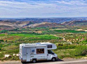 キャンピングカー RV 300x221 - 海外旅行が楽しくなる!RVでの旅行前に知っておきたい重要ポイントを紹介