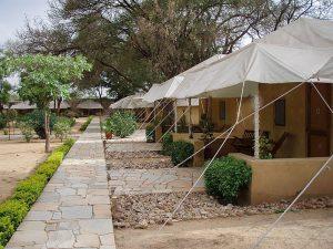 キャンプホテル 300x225 - 豪華なキャンプ~最上級の贅沢を楽しみたい方へ~