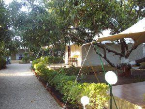 高級テント 300x225 - 豪華なキャンプ~最上級の贅沢を楽しみたい方へ~