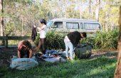 キャンプ荷物 170x110 - キャンピングカーに泊まる時のコツを紹介