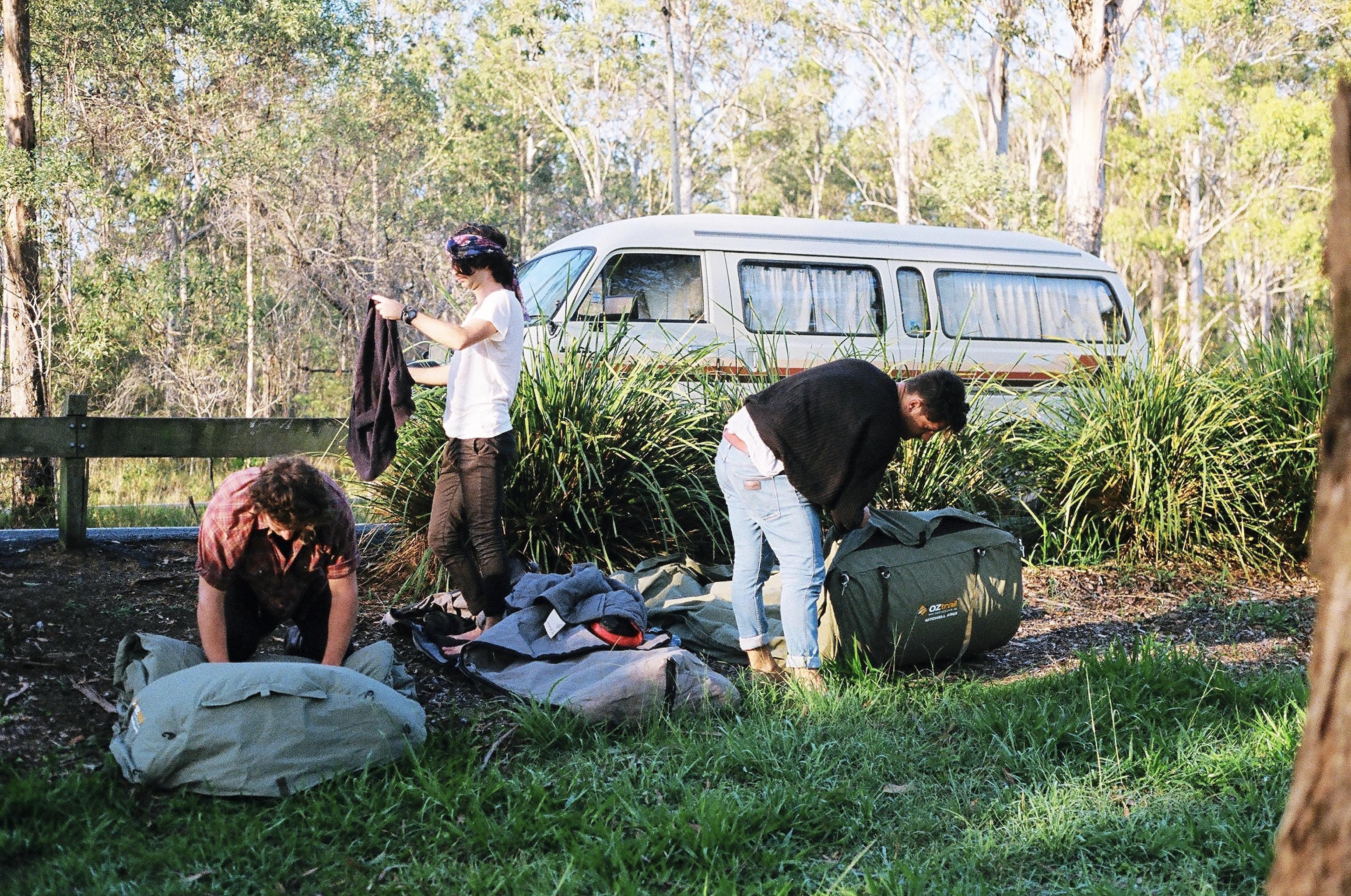 キャンプ荷物 - キャンピングカーに泊まる時のコツを紹介